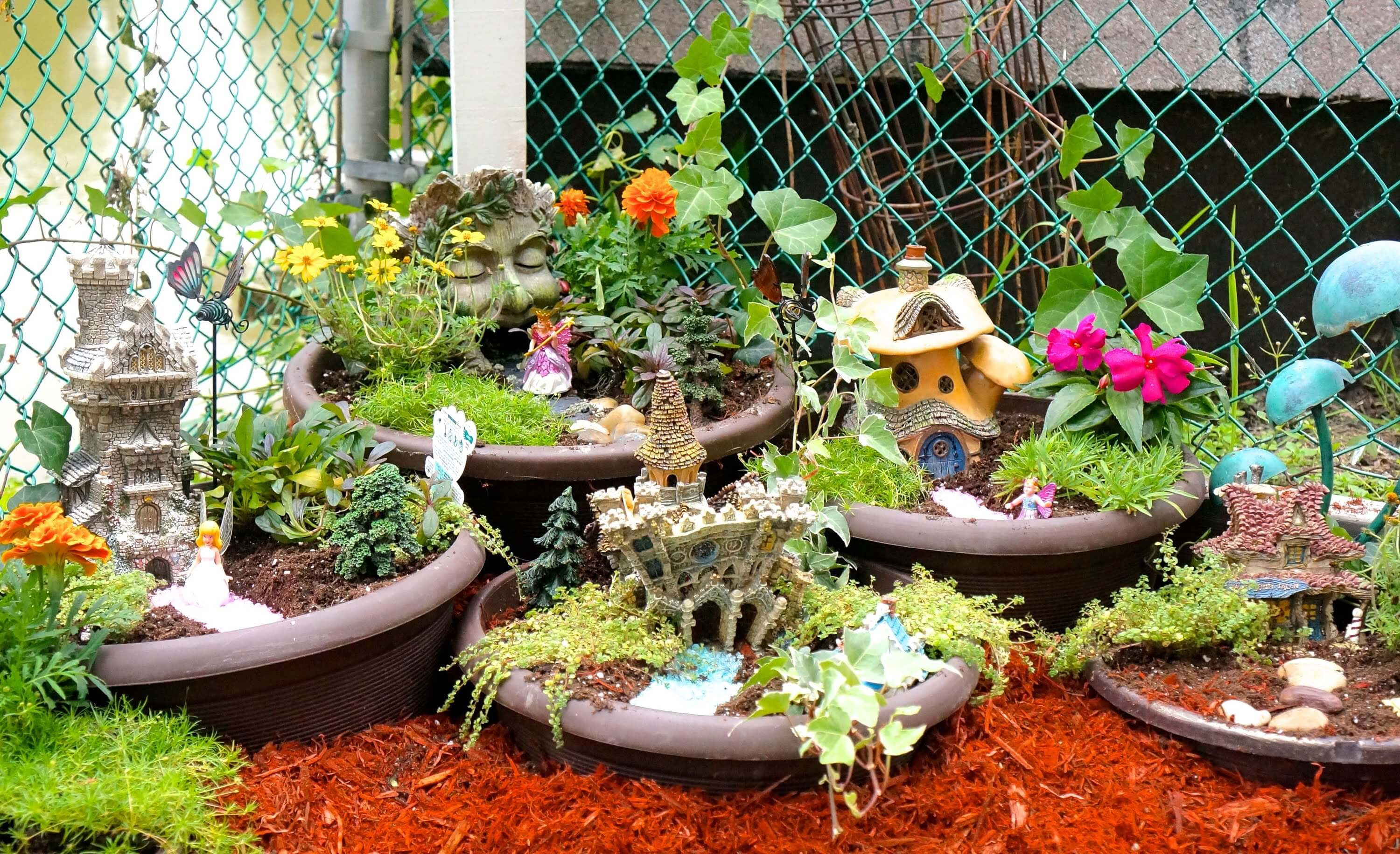 Indulge In Creative Imagination With Miniature Fairy Garden ...