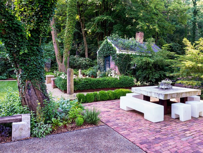 How To Mash Up Old And New Gardens