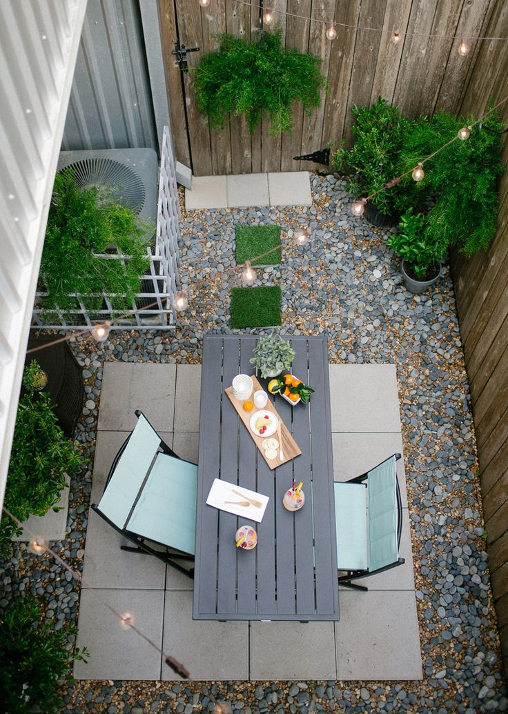 Small patio ideas for every home gardening flowers 101 for Small backyard patio ideas