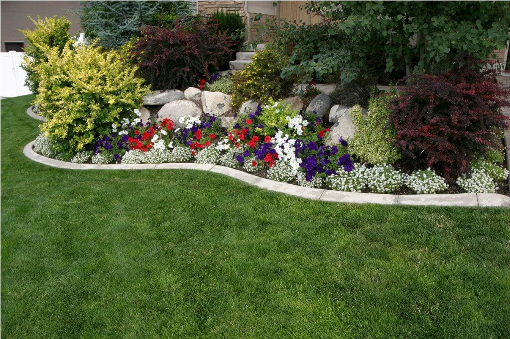 Flower bed ideas for front of house gardening flowers for Best plants for front flower bed