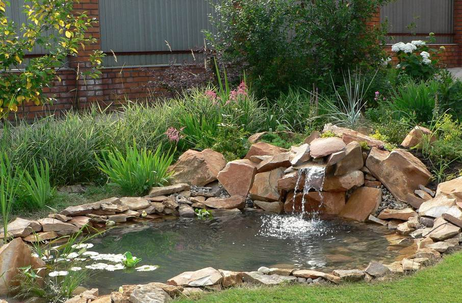 Garden pond waterfall pictures gardening flowers 101 for Garden pond 101