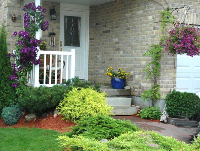 Landscape arrangements for your house 39 s front gardening for Landscaping a small area in front of house