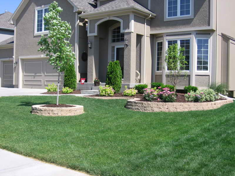 Landscape Arrangements for your House\'s Front - Gardening flowers ...