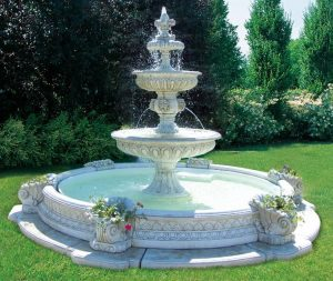 large outdoor water fountain