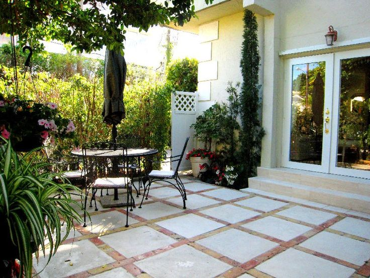 Small patio ideas for every home - Gardening flowers 101 ... on Townhouse Patio Ideas id=61984